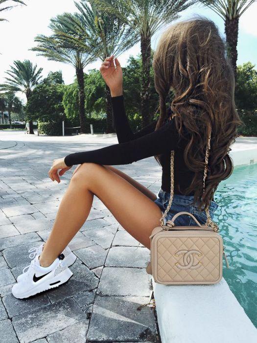 Resultado de imagen para tennis shoes street style girl white