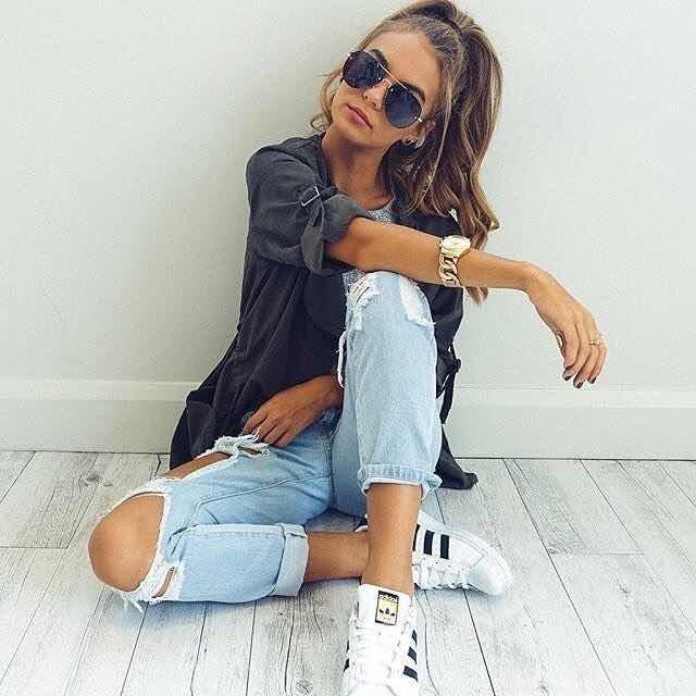 40+ Outfits con Tenis Blancos para lucir Casual y Juvenil