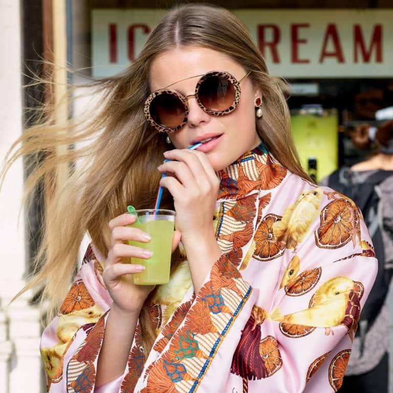 Resultado de imagen para Emporio Armani 2018 de sol mujer street style