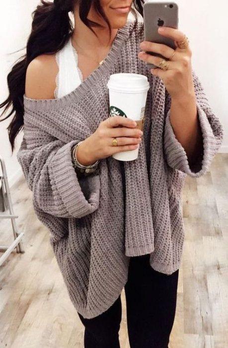 outfits con bralette que puedes usar en el invierno