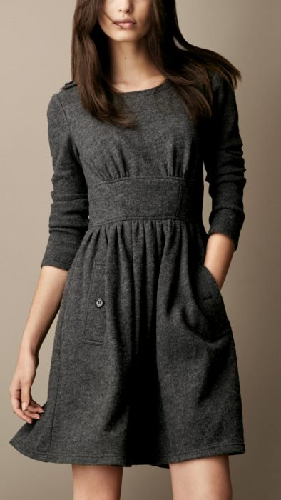 Vestidos calientitos que se llevan bien con el invierno