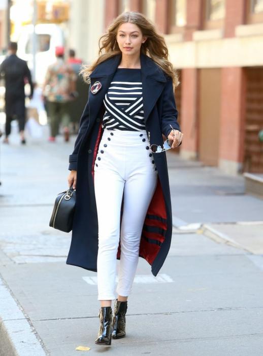 Outfits con pantalones de tiro alto que te harán sentir como diosa de la moda