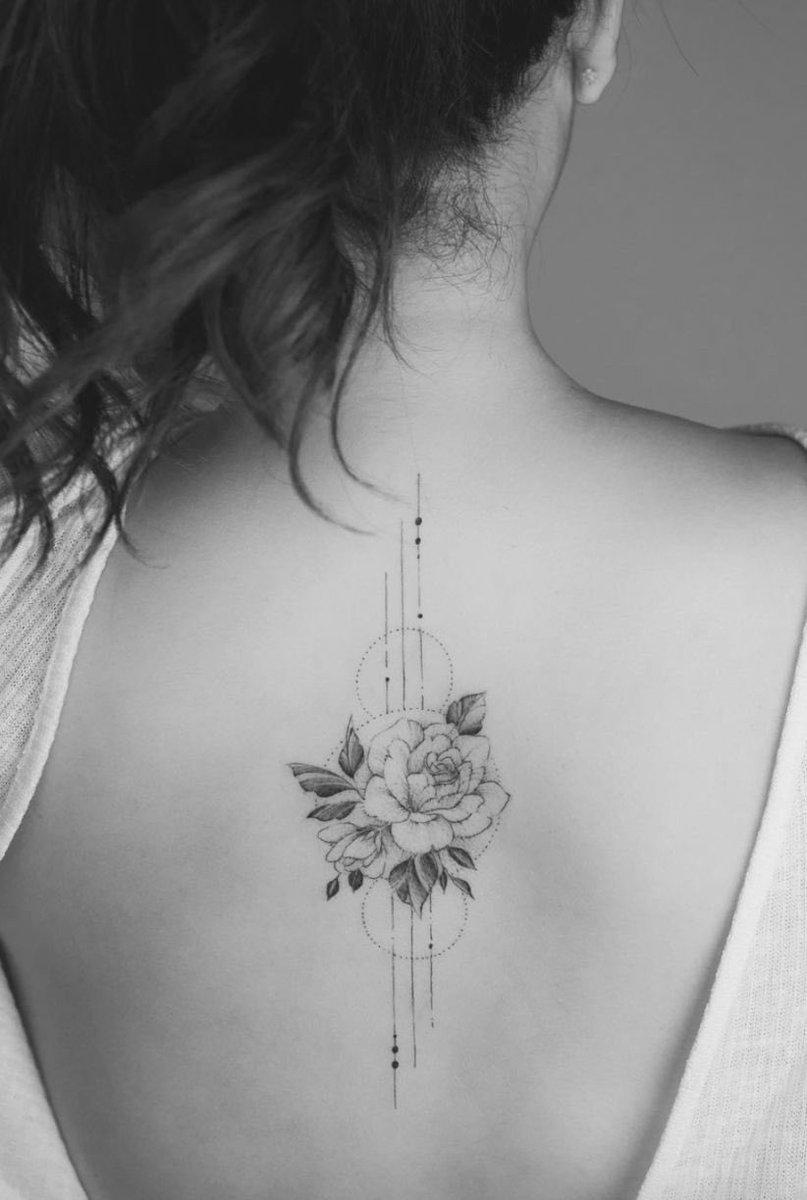 Resultado de imagen para tatuagens delicadas nas costas