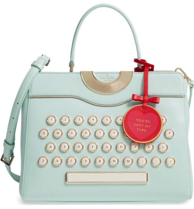 Bolsa de mano en forma de maquina de escribir