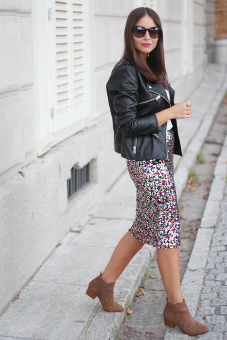 15 Outfits de faldas con botines que puedes usar en otoño