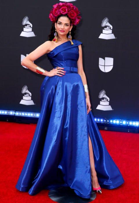 Los peores looks de los Latin Grammys 2019; Natalia Jiménez