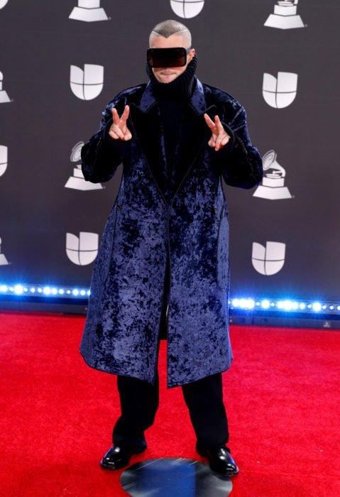 Los peores looks de los Latin Grammys 2019; Bad Bunny