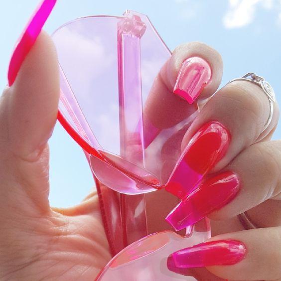 Uñas rosa fuscia con efecto gelatina