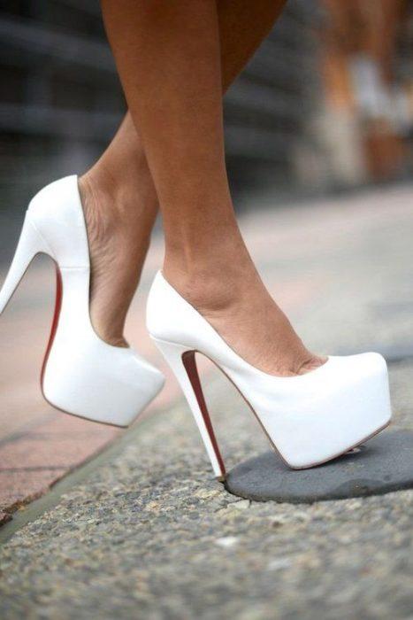 Zapatos de plataforma blancos