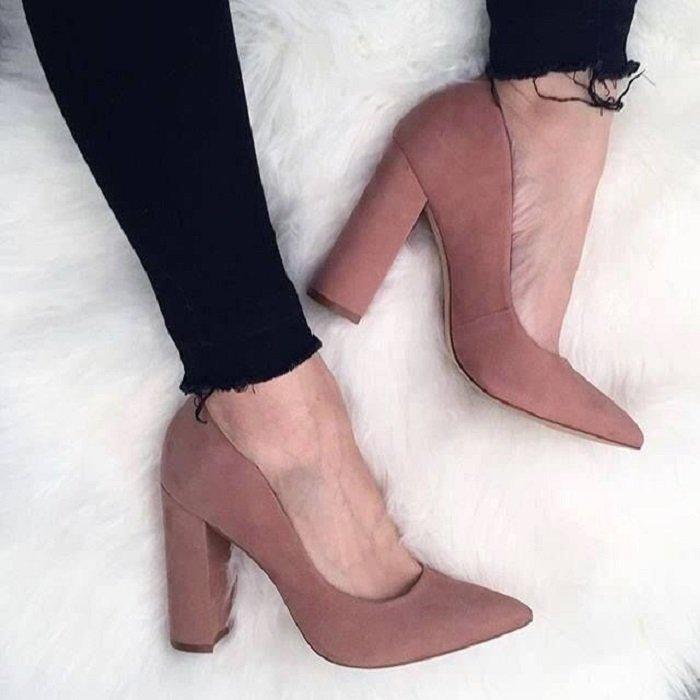 Zapatos de tacón ancho tipo zapatilla color rosa palo
