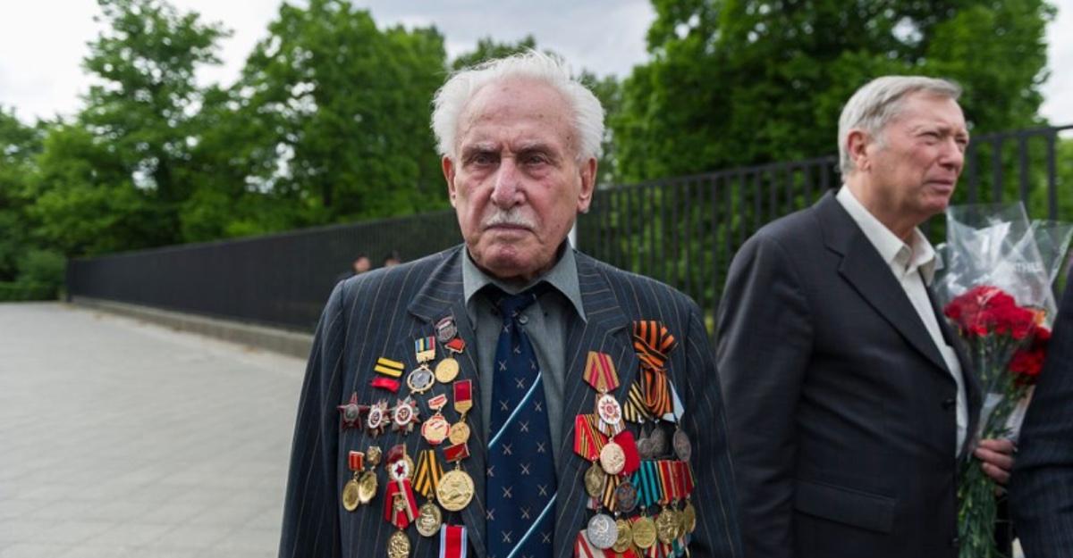 A los 98 años murió el último soldado soviético vivo en liberar Auschwitz. Era un héroe en su país