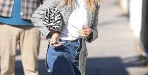 Lee más sobre el artículo Alerta De Tendencia: El Estilo De Jeans Que Están Amando Las Celebridades Y Chicas Fashion