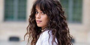 Lee más sobre el artículo 4 Peinados Fáciles Y Full Tendencia Para Pelo Largo