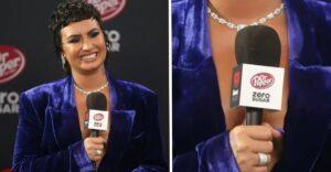 """Demi Lovato es criticada por tomar micrófono de Dr. Pepper sin azúcar. Ella """"odiaba"""" las cosas light"""