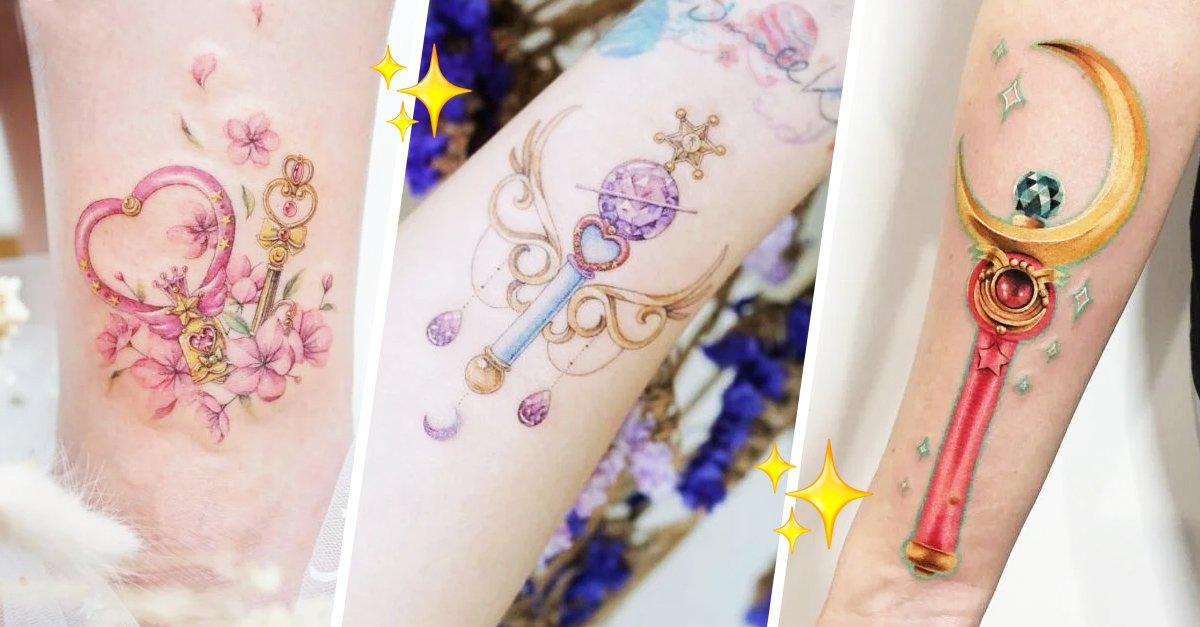 En este momento estás viendo 15 Tatuajes de 'Sailor Moon' para tener el poder lunar